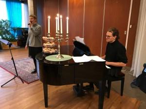 Johannes och Ellen stod för sång och musik